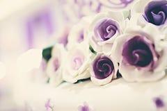 Hochzeits-Kuchen-Blumen Lizenzfreies Stockfoto