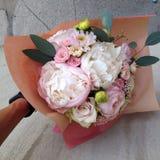 Hochzeits-Pfingstrosen-Blumenstrauß Lizenzfreie Stockfotos