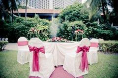 Hochzeits-Tabellen-Installation, in archiviert lizenzfreie stockfotos