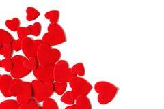 Hochzeits- und Valentinstagrahmen Eckzarge mit Filzherzen Lizenzfreies Stockfoto