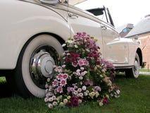 Hochzeitsautoblumenstrauß Lizenzfreies Stockfoto