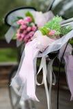 Hochzeitsautodekoration Stockfotos