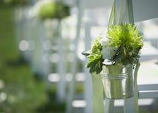 Hochzeitsblumensträuße an der Zeremonie Lizenzfreie Stockfotografie