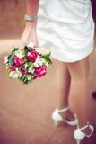 Hochzeitsblumenstrauß auf einem Hintergrund von einem s Stockfoto