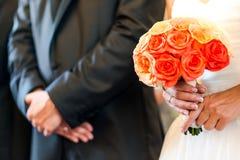 Hochzeitsblumenstrauß und -ring Lizenzfreies Stockfoto