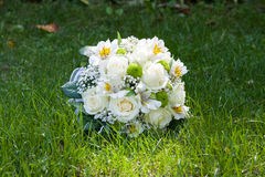 Hochzeitsblumenstrauß von stieg, Freesie und Eustoma Lizenzfreies Stockbild