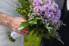 Hochzeitsblumenstraußveilchen stieg Stockbilder