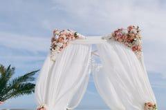 Hochzeitsbogenzeremonien Lizenzfreies Stockfoto