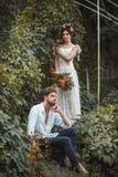 Hochzeitsdekoration im Garten Stockbild