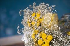 Hochzeitsdekoration mit gipsofila und Zitrone Stockfotos