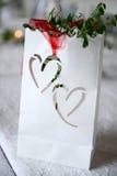 Hochzeitsdekoration mit Herzen Stockfotografie