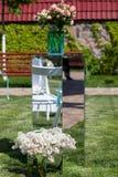 Hochzeitsdekoration von Blumen Stockfotografie