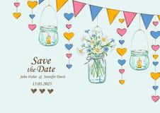 Hochzeitseinladung mit Dekoration von hängenden Gläsern und von Blumen Lizenzfreies Stockfoto