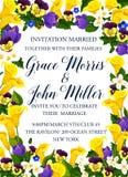 Hochzeitseinladung mit Frühlingsblumen-Rahmengrenze Lizenzfreie Stockfotografie