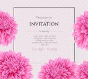 Hochzeitseinladung mit schöner Asterblume Stockfotos