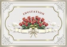 Hochzeitseinladungskarte mit einem Blumenstrauß von Rosen und von Ringen Lizenzfreie Stockfotos