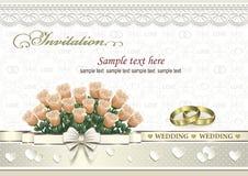 Hochzeitseinladungskarte mit einem Blumenstrauß von Rosen und von Ringen Stockbild