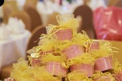 Hochzeitsgeschenke für Gast lizenzfreies stockbild