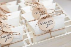 Hochzeitsgeschenke für Gast Stockfoto