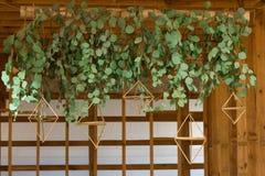 Hochzeitsgirlande von lebenden Pflanzen Stockfotos