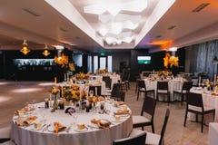 Hochzeitshalle rustikal Stockfotos