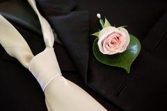 Hochzeitsknopfloch u. -gleichheit Lizenzfreie Stockbilder