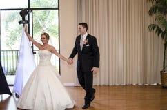 Hochzeitspaare gerade geheiratet Lizenzfreie Stockfotografie