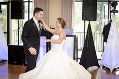 Hochzeitspaartanzen Stockfotos