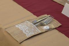 Hochzeitstafel-Einstellungs-Tischbesteck lizenzfreies stockfoto