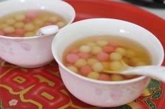 Hochzeitsteezeremonietischbesteck und -umhüllung des traditionellen Chinesen Lizenzfreie Stockfotos