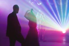 Hochzeitsverein-Discopartei-Paarschattenbilder Stockbild