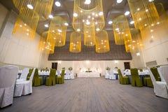 Hochzeitszeremoniehalle bereit zu den Gästen, Luxus, elegantes Heiratsr stockfoto