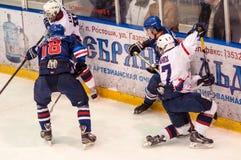 Hockey met de puck, Stock Afbeeldingen