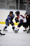Hockey sobre hielo de la juventud Imágenes de archivo libres de regalías