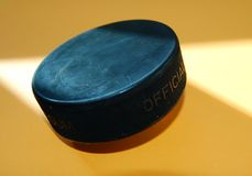 hockeyispuck Arkivfoton