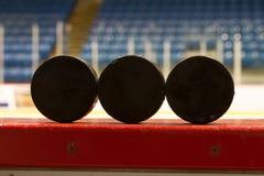 Hockeypucks Royalty-vrije Stock Afbeeldingen
