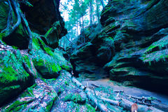 Hocking小山绿色峭壁  免版税库存照片