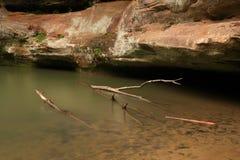 鞋帮落在老人的洞, Hocking小山国家公园,俄亥俄 库存图片