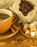 ?hocolates, grãos de café com canela Imagem de Stock