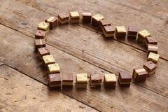 Hocolates tworzy kierowego kształt obraz royalty free