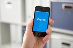 HODONIN TSJECHISCHE REPUBLIEK - 7 APRIL: Paypal de populairste manier van royalty-vrije stock afbeelding