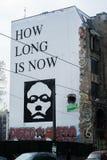 Hoe lang nu de muurschildering door YZ is royalty-vrije stock afbeelding