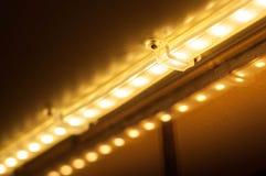 Hoe te om goede verlichting in de keuken met uw handen thuis te maken royalty-vrije stock foto
