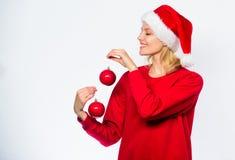 Hoe voor de winter verfraai Gemakkelijk de winterdecor Voeg feestelijke stemming toe uw vakantie Het concept van het nieuwjaardec stock foto