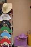 Hoeden en ventilators op verkoop, Bellagio, Meer Como Stock Fotografie