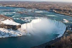 Hoefijzer Dalingen (Niagara) van hierboven in de Winter Royalty-vrije Stock Afbeelding