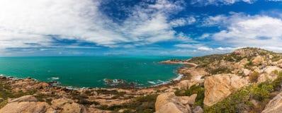 Hoefijzerbaai in Bowen - iconisch strand met granietrotsen, het noorden royalty-vrije stock afbeeldingen