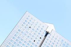 Hoek van een groot gebouw van de perspectiefdriehoek Royalty-vrije Stock Foto
