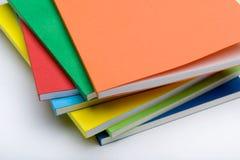 Hoek van waaiervormige stapel boeken Stock Fotografie