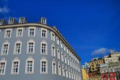 Hoekig huis bij de hoekstraat Carvalho en vierkant Dom Luis royalty-vrije stock afbeelding
